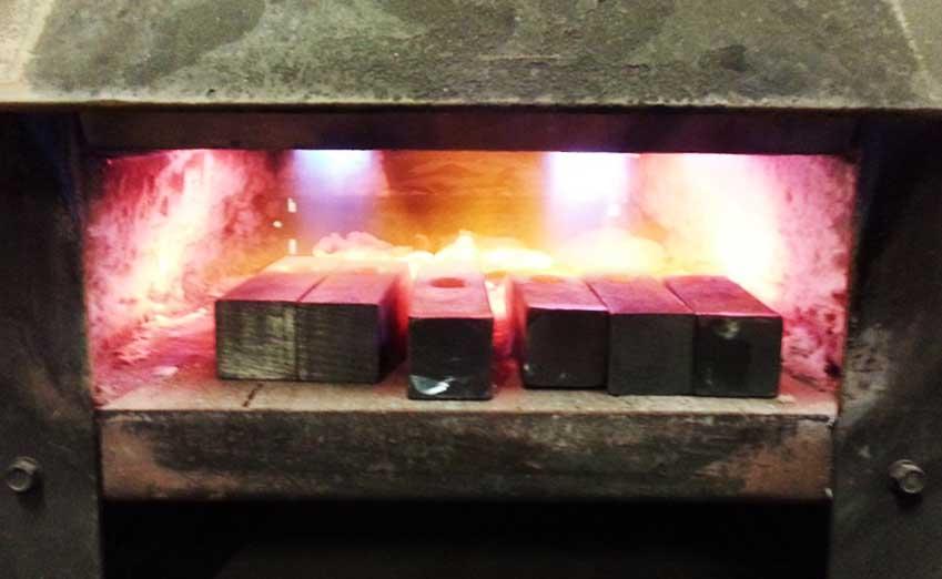 a ferro e fuoco forno e maglio