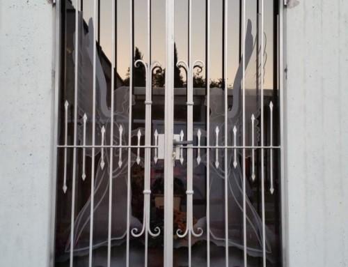 cancello in ferro per edicola Funeraria