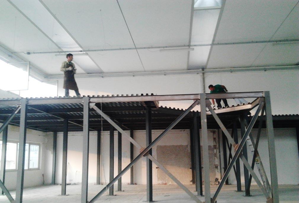 Soppalco in acciaio per capannone industriale